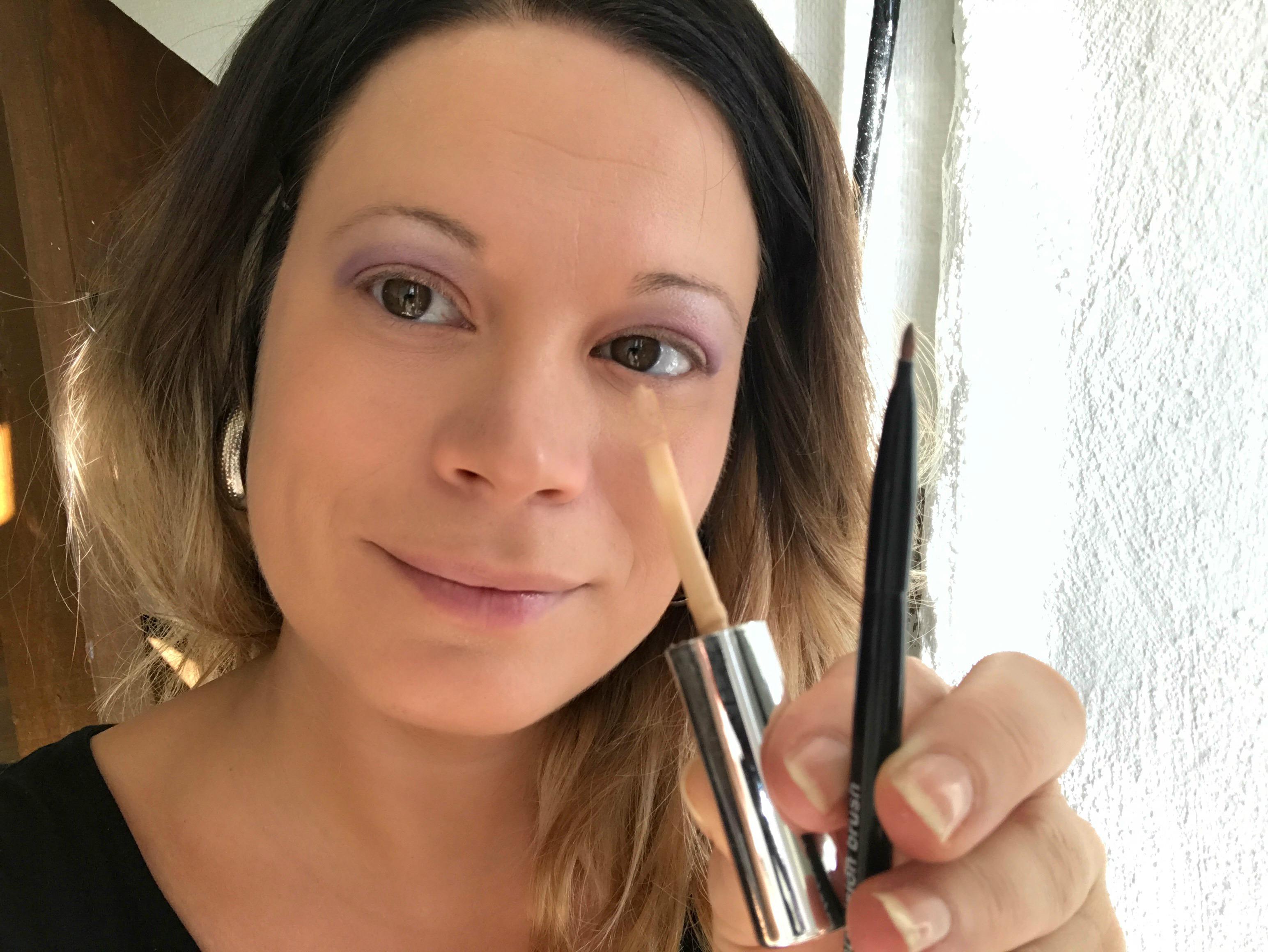 lila-sminkning-med-nude-läppar-17